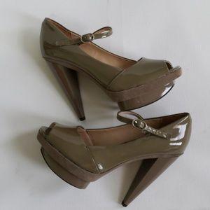 Pour la Victoire beautiful heels size 7 1/2
